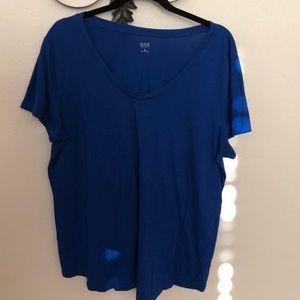🎒 Ana blue tee shirt